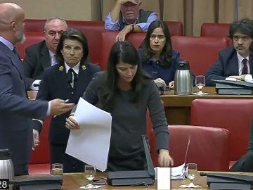 Momento de la expulsión de Macarena Olona de la Diputación Permanente