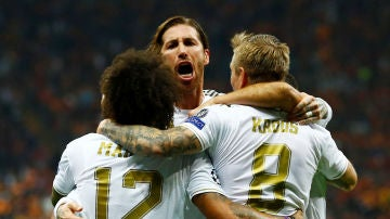 Sergio Ramos grita tras el 0-1 del Real Madrid en Estambul