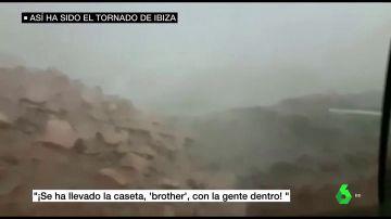Un tornado arranca una caseta de obra en Ibiza