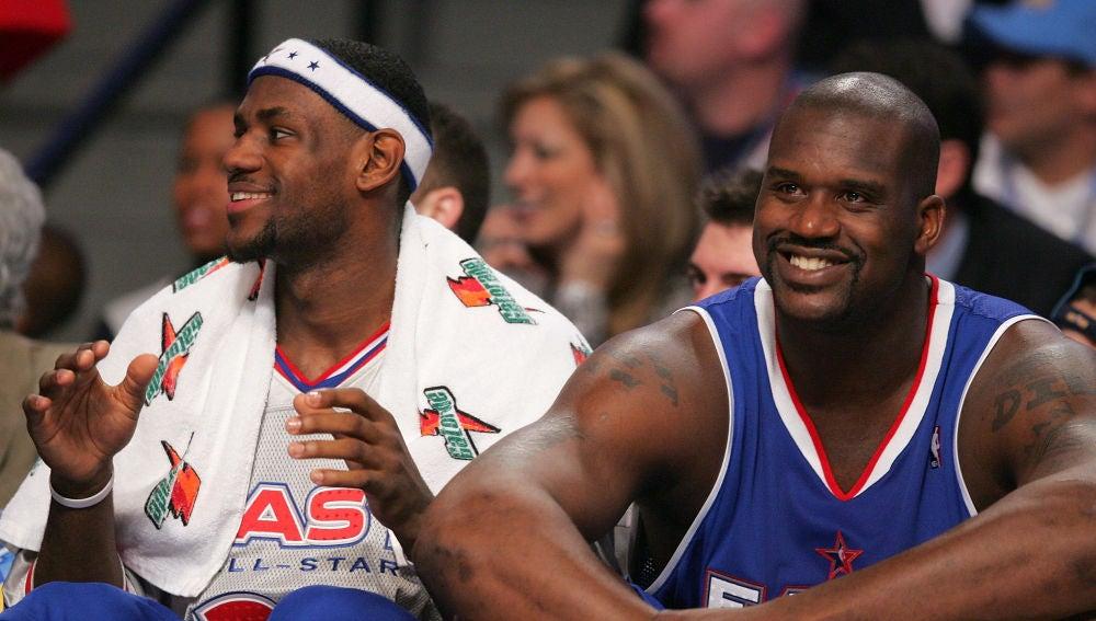 LeBron James y Shaquille O'Neal, durante el All Star de 2005