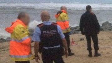 Los equipos de rescate hallan el cadáver de un hombre