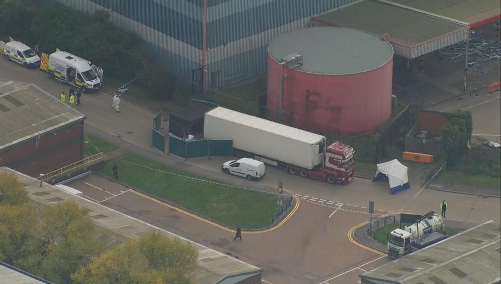 Imagen del camión donde han sido localizados los cadáveres