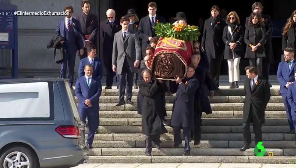 """Así ha sido el mal rato de los familiares de Franco al llevar el ataúd: """"No están acostumbrado a hacer esfuerzos"""""""