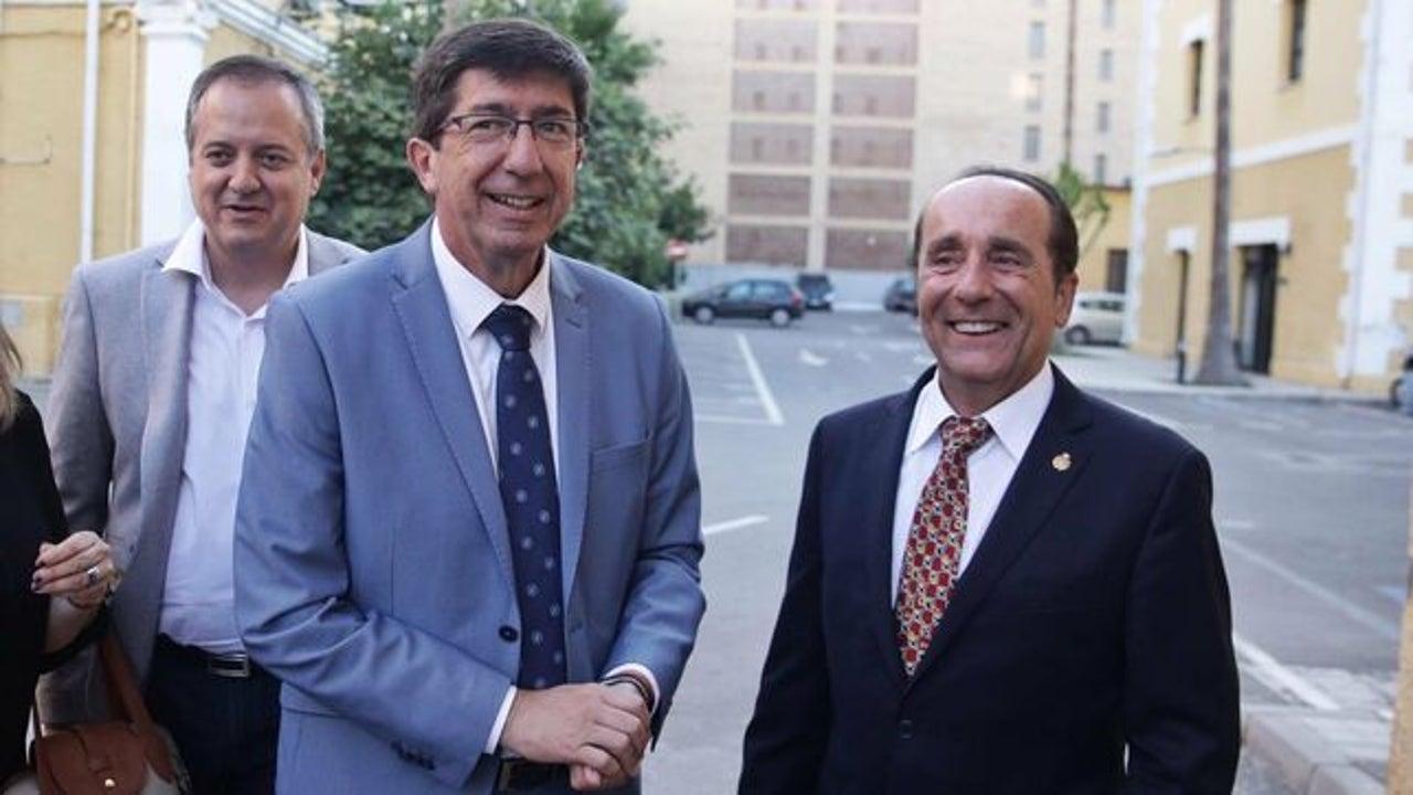 Juan Marín junto a Andrés Semper