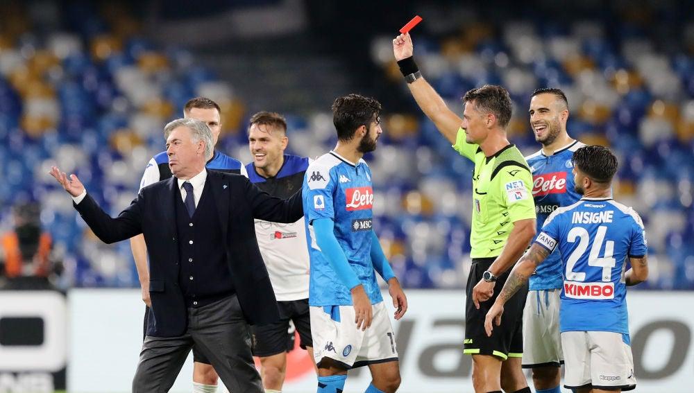 Ancelotti es expulsado durante un partido