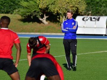 Guti dirige su primer entrenamiento con el Almería