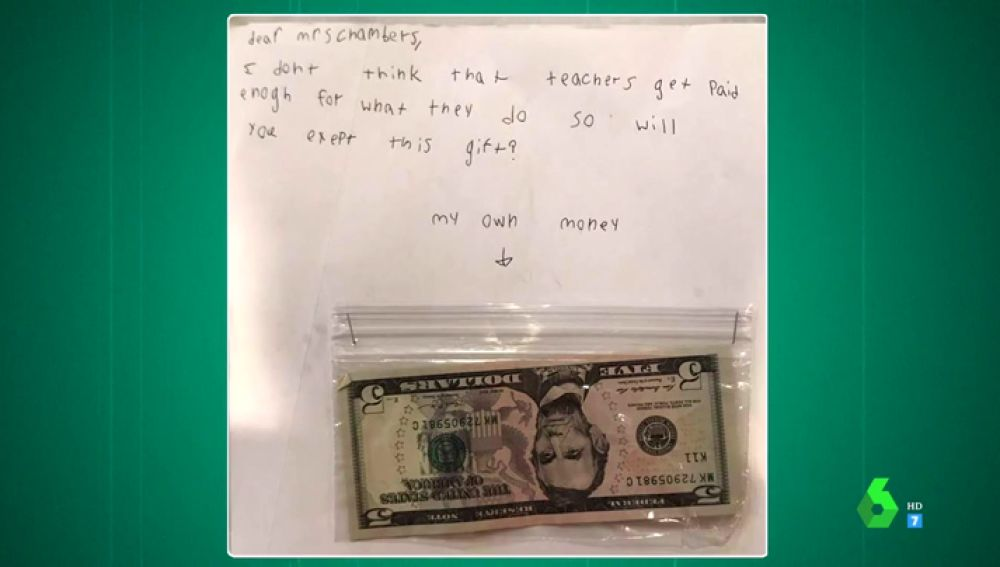 """La tierna carta en la que un niño de nueve años da su dinero de cumpleaños a su profesora: """"No estáis bien pagados"""""""