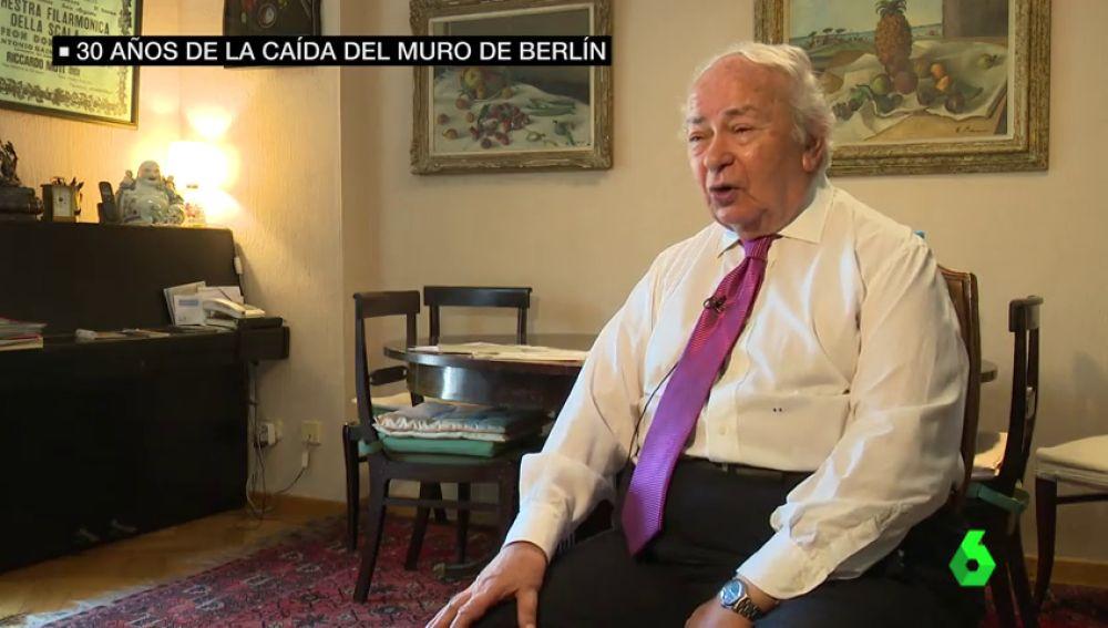 El corresponsal que dio en primicia la noticia de la caída del Muro de Berlín