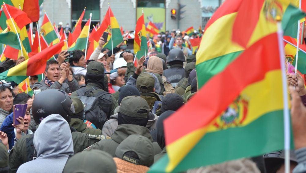 Un grupo de policías durante una manifestación en Bolivia