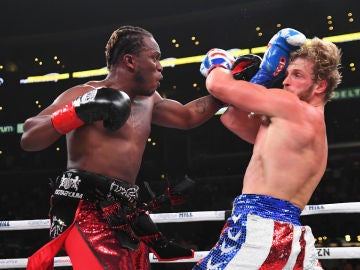 Dos youtubers pelean en el Staples Center