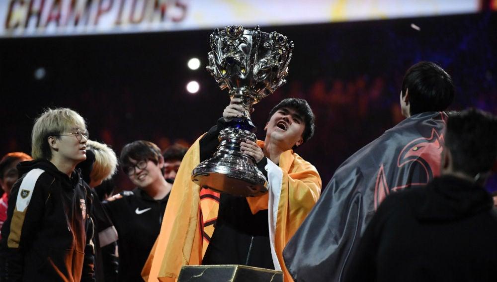 El equipo chino campeón de LoL