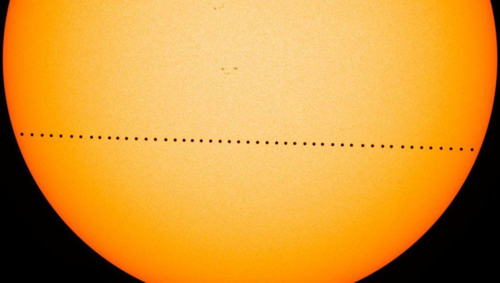 Mercurio se pasea por delante del Sol