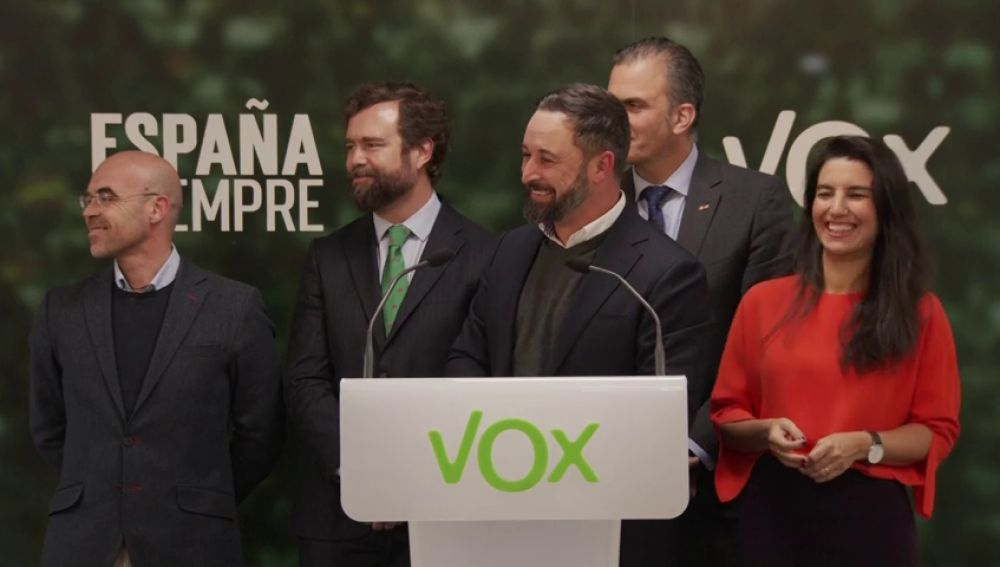 """La broma de Abascal ante una pregunta en inglés: """"Hago como Rajoy y digo: 'Esto no, esto no'"""""""