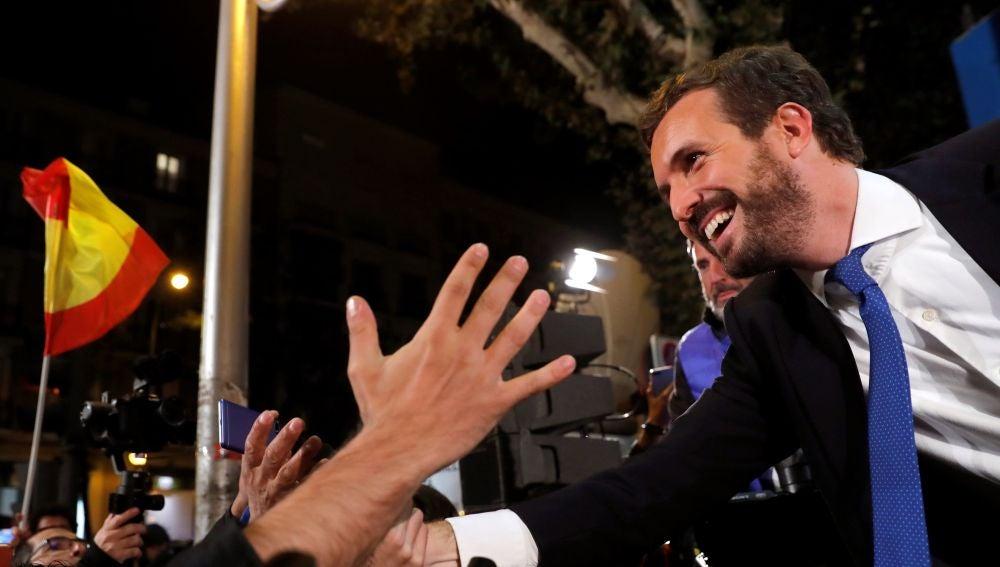 Pablo Casado celebra el resultado electoral en la sede de Génova