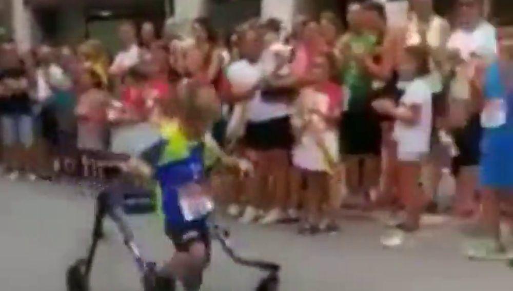 La fortaleza de un niño valenciano con parálisis emociona a Will Smith