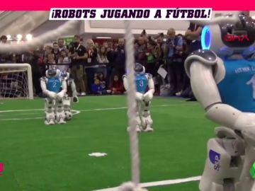 Llegan los robots futbolistas... y la realidad es que no pueden ser peores