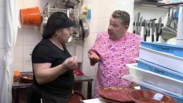 """Chicote alucina con la afirmación de la cocinera de A la parrilla sobre los clientes: """"En Badajoz están por civilizar"""""""
