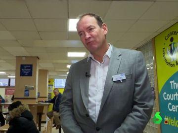 Director de un hospital de Reino Unido en el que permiten el vapeo