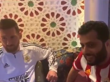 Messi habla con el presidente del Almería