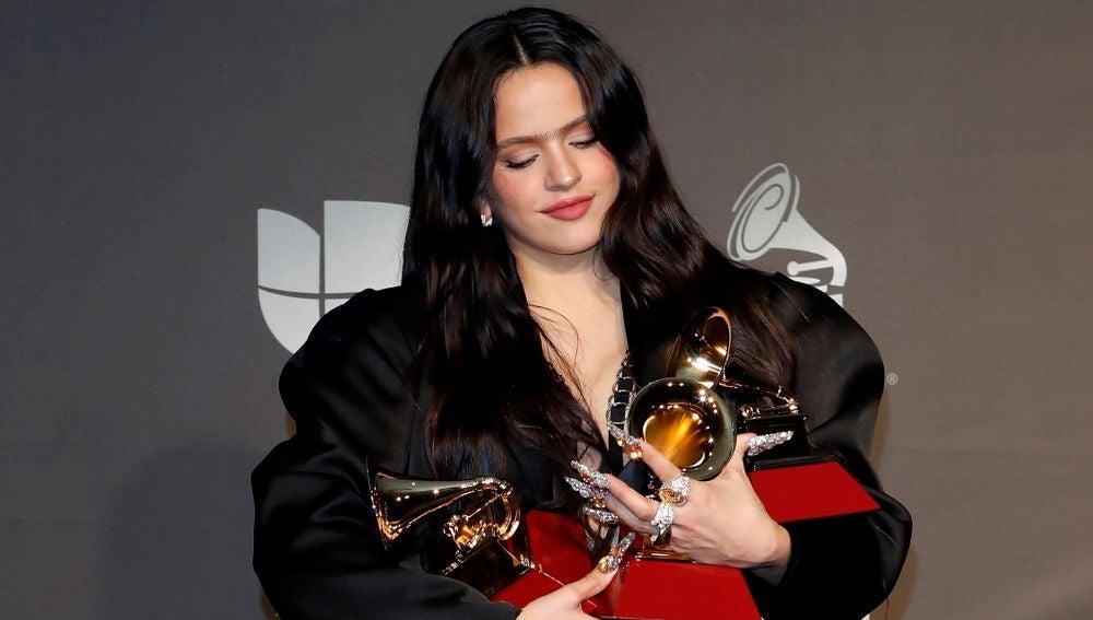 Rosalía, con sus tres Latin Grammy