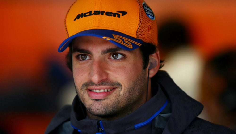 Carlos Sainz, en el box de McLaren