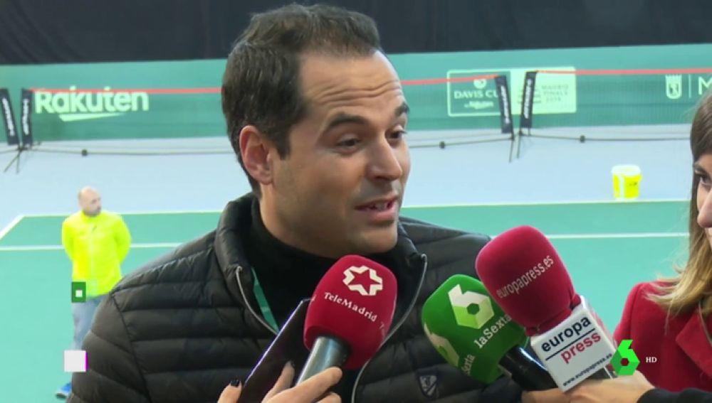 Ignacio Aguado ante los medios