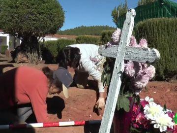 Falta de información y de financiación: los obstáculos para exhumar a las víctimas del franquismo que impiden la reparación de la memoria