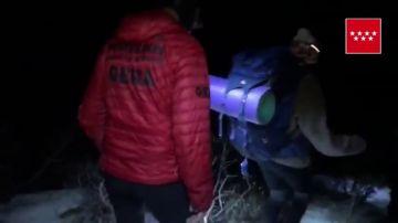 Los Bomberos rescatan a un grupo de niños desorientados en La Pedriza, Madrid