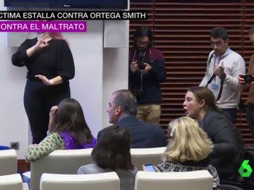 La actitud de desprecio de Javier Ortega Smith ante las críticas de una víctima de violencia machista