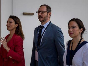 Una delegación del PP se reúne con el líder opositor venezolano Juan Guaidó