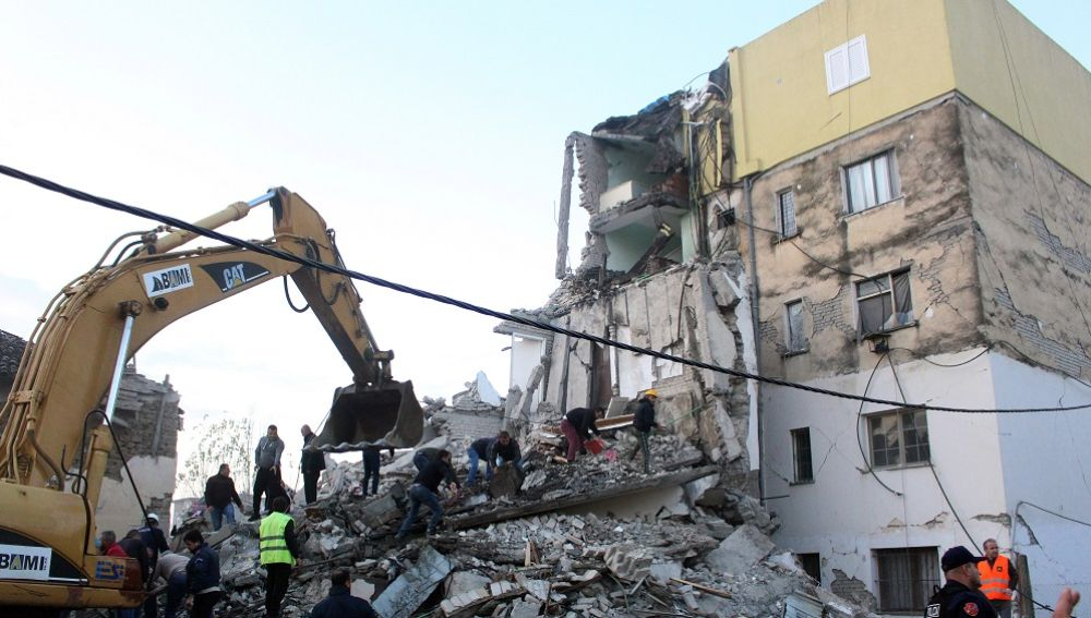 Albania vive el peor terremoto en 40 años