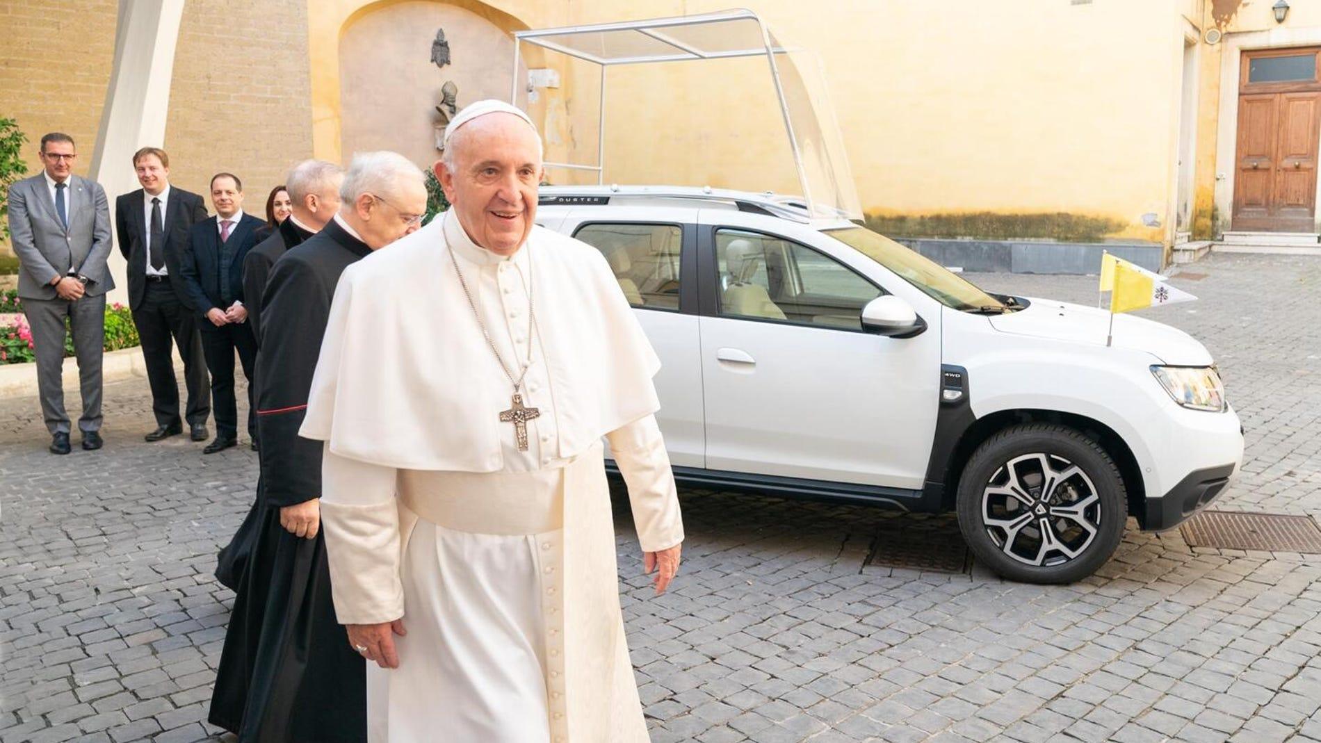 Dacia Duster para el Papá Francisco