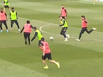 Fede Valverde, protagonista de una jugada eléctrica durante el entrenamiento