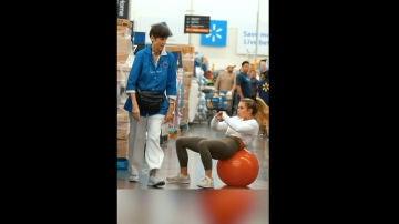 Kinsey Wolanski, haciendo gimnasia urbana