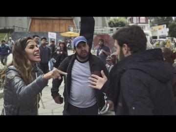 Una mujer grita a Gonzo en Bolivia
