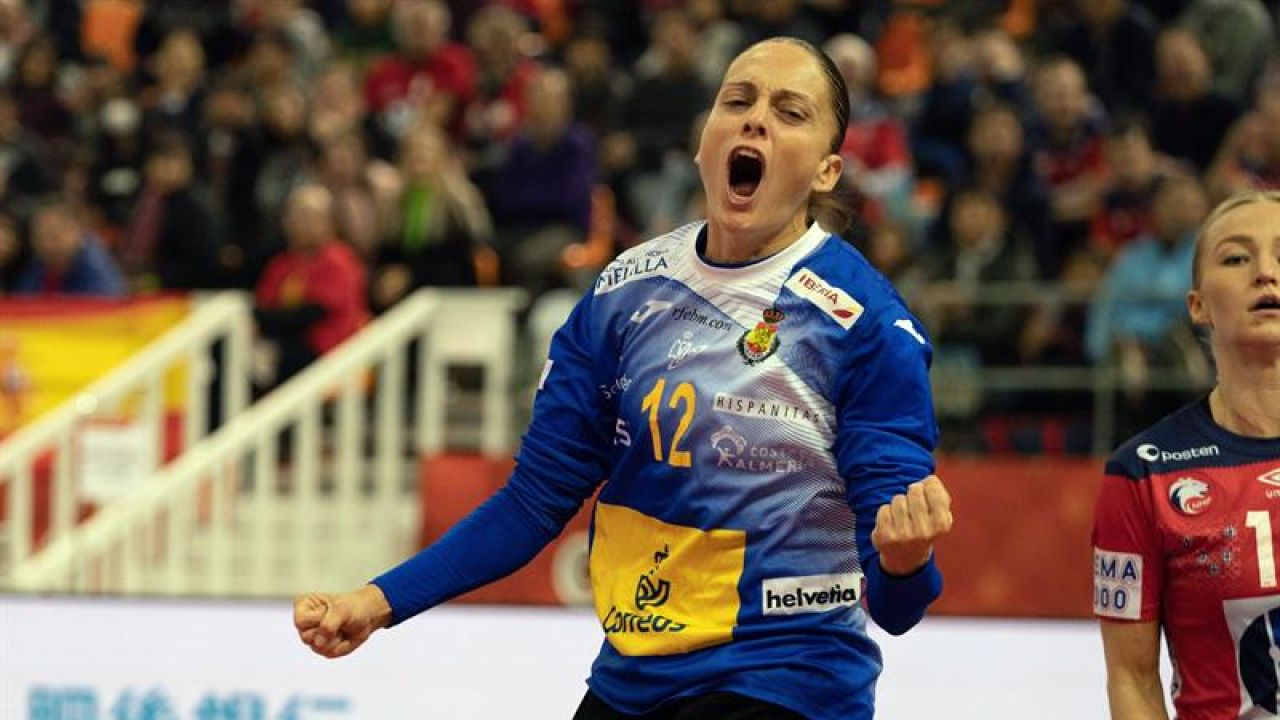 Silvia Navarro, portera de la Selección española de balonmano