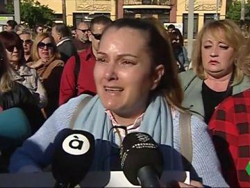 Concentración en apoyo a la familia de Marta Calvo en Sagunto