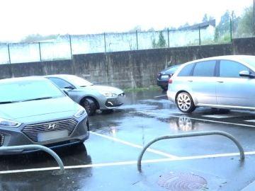 Dar un par de vueltas o aparcar en el primer sitio libre, ¿cómo se ahorra más tiempo?