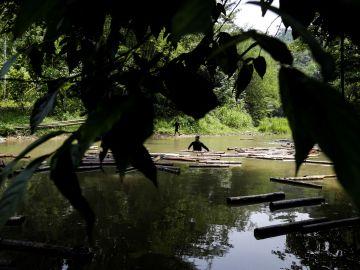 La tribu indonesia que rechaza la tecnología y el mundo moderno