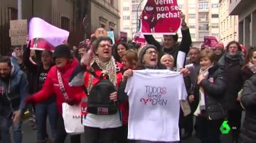 Más de 500 personas reclaman la reapertura del paritorio de Verín ante el Parlamento de Galicia