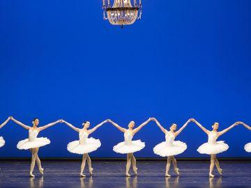 Bailarinas de la Academia de Ballet de la Ópera de Viena