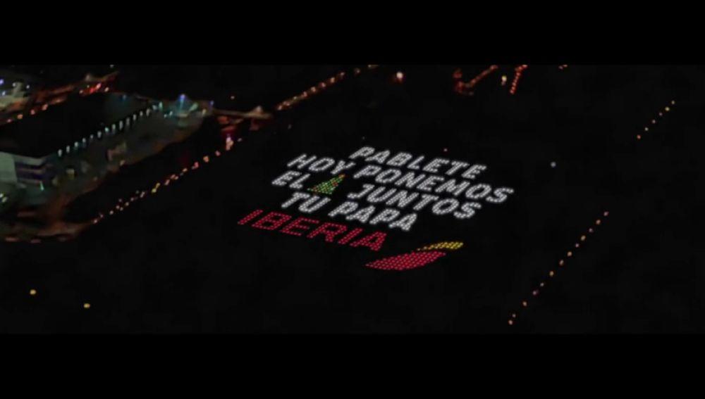 Iberia permite mandar un mensaje navideño a 1000 pies de altura