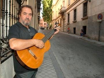 El cantautor, músico y actor Patxi Andión, durante una entrevista
