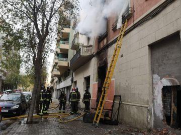 Incendio en un edificio cercano a la Sagrada Familia