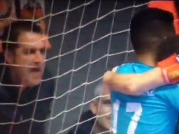 """Un aficionado llama """"negro de mierda"""" al jugador de fútbol sala Araça"""