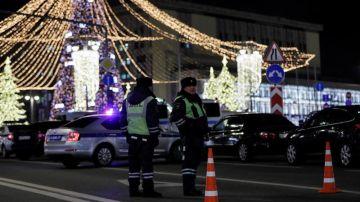 Policía rusa en el centro de Moscú