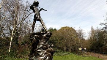Estatua de Peter Pan en Bruselas