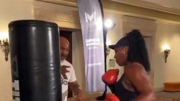 Serena Williams entrena con Mike Tyson