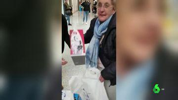La mujer a la que le robaron la pensión en una farmacia de Cádiz recupera todo el dinero gracias a donaciones