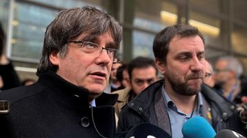 Carles Puigdemont y Toni Comín ante los periodistas